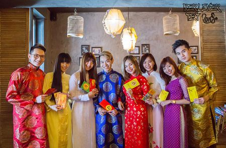Du hoc sinh muon phuong don Tet - Anh 2