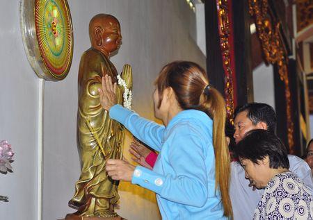 Nguoi Sai Gon di chua, phong sinh cau xuan an lanh - Anh 7