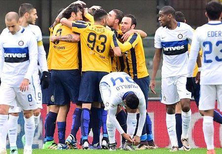 Vong 24 Serie A: Juventus lai thang, Milan va Inter cung gay that vong - Anh 3