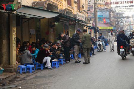 Ha Noi yen binh sang mung 1 tet Binh Than - Anh 11
