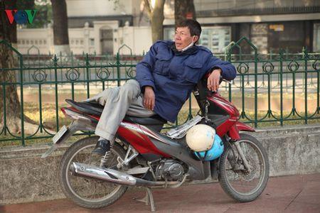 Ha Noi yen binh sang mung 1 tet Binh Than - Anh 15