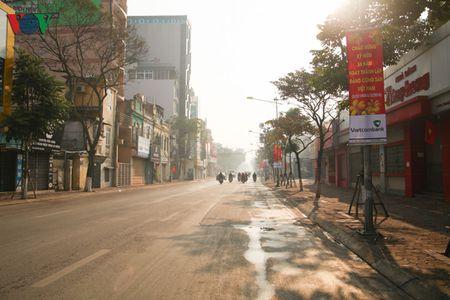 Ha Noi yen binh sang mung 1 tet Binh Than - Anh 4