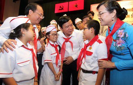 Ong Dinh La Thang doi thoai voi hoc sinh TP HCM - Anh 1