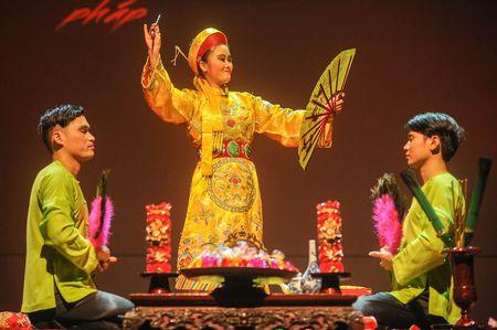 Dao dien Viet Tu trinh lang chuong trinh Tu Phu - Anh 3