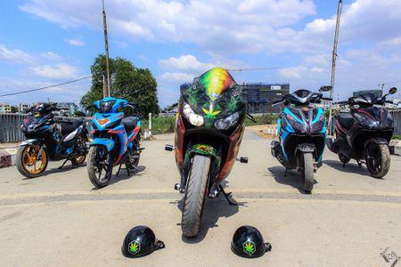 Honda CBR 1000RR phong cach Rock and Roll cua biker Sai Gon - Anh 1