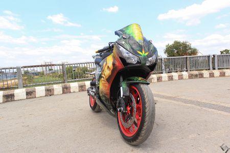 Honda CBR 1000RR phong cach Rock and Roll cua biker Sai Gon - Anh 3