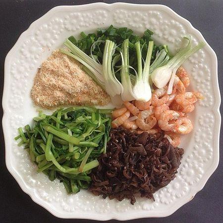 Cach lam mon bun tom Hai Phong thom ngon hap dan - Anh 3