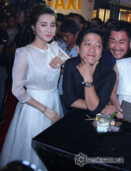 Truong Giang khom nguoi chinh vay cho Nha Phuong tren tham do - Anh 12
