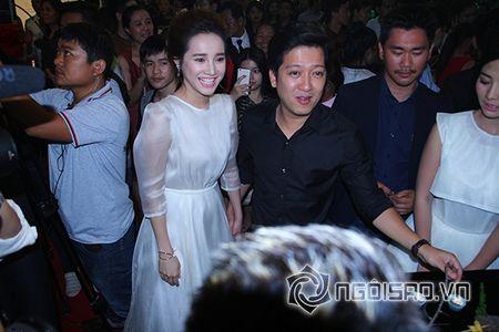 Truong Giang khom nguoi chinh vay cho Nha Phuong tren tham do - Anh 3