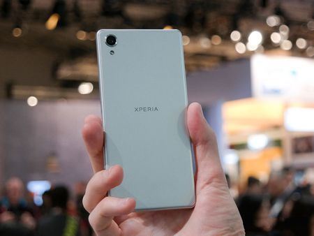 Can canh smartphone dep nhat tu truoc den nay cua Sony - Anh 11