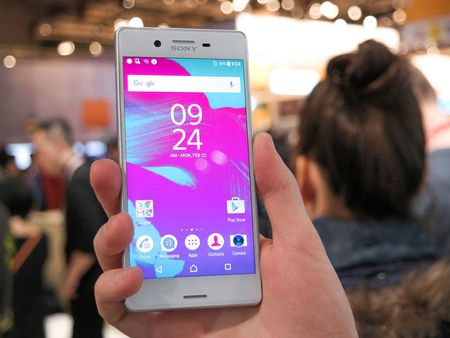 Can canh smartphone dep nhat tu truoc den nay cua Sony - Anh 7