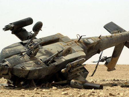 Roi truc thang Mi-17 tai Pakistan, mot sy quan thiet mang - Anh 1
