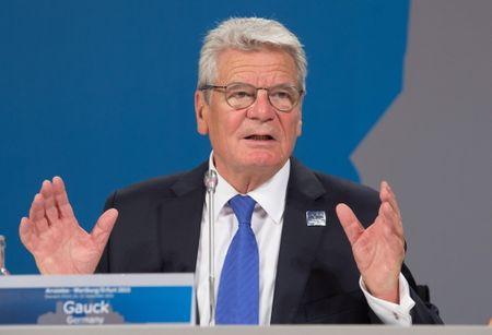 Thu tuong A.Merkel ung ho ong Gauck tiep tuc lam Tong thong Duc - Anh 1