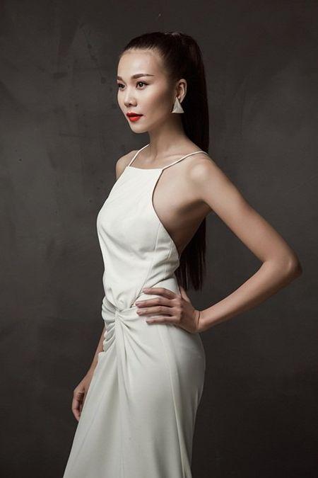 Thanh Hang khoe chan thon dang dep o tuoi 33 - Anh 6