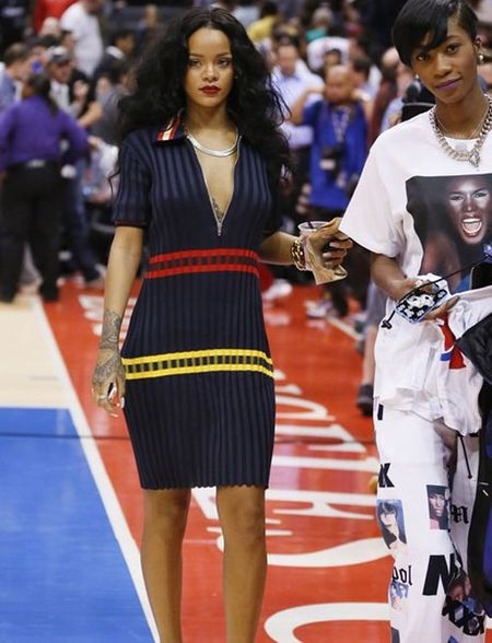 Rihanna tha rong vong mot o NBA - Anh 4