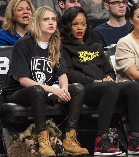 Rihanna tha rong vong mot o NBA - Anh 5