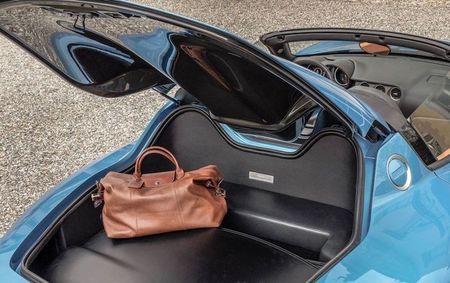 Can canh Alfa Romeo Disco Volante Spider ban gioi han - Anh 4