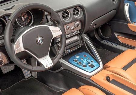 Can canh Alfa Romeo Disco Volante Spider ban gioi han - Anh 6