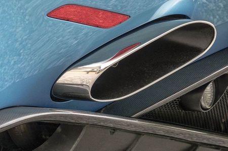 Can canh Alfa Romeo Disco Volante Spider ban gioi han - Anh 9