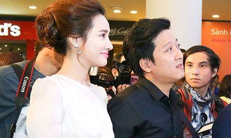 Truong Giang - Nha Phuong quan quyt khong roi tai su kien - Anh 1