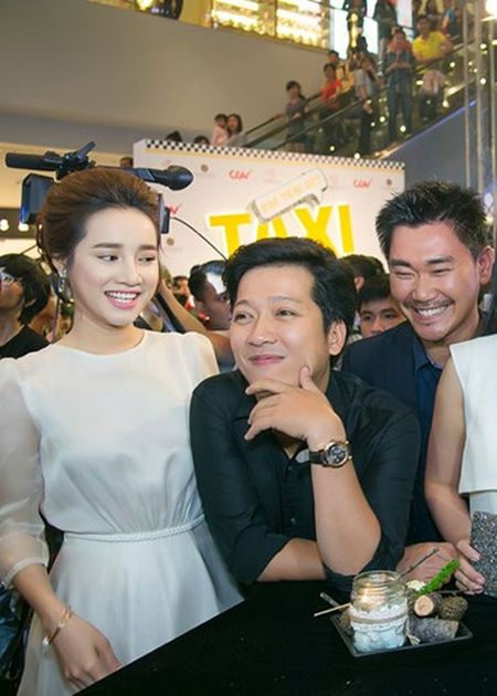 Truong Giang - Nha Phuong quan quyt khong roi tai su kien - Anh 3