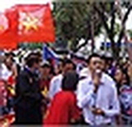 Anh: Nguoi Viet o Duc xuong duong phan doi Trung Quoc quan su hoa Bien Dong - Anh 24