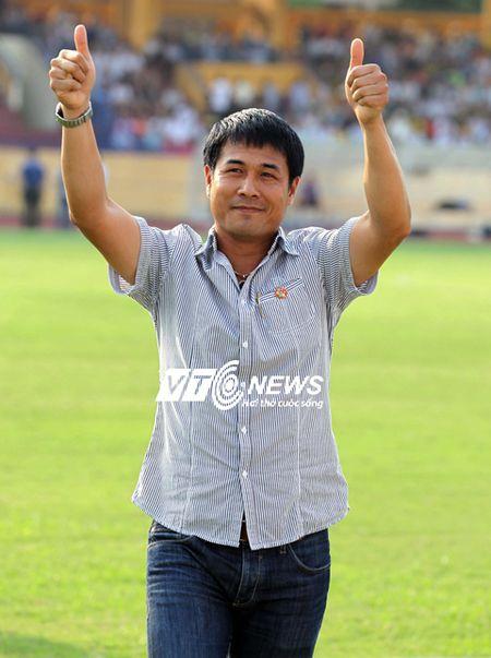 HLV Huu Thang: 'Cau thu mau lua nhung khong duoc tho bao' - Anh 1