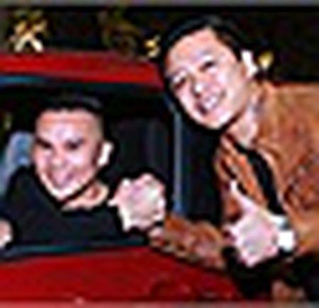 Tuan Hung khoe anh kheo leo tam cho con trai - Anh 8