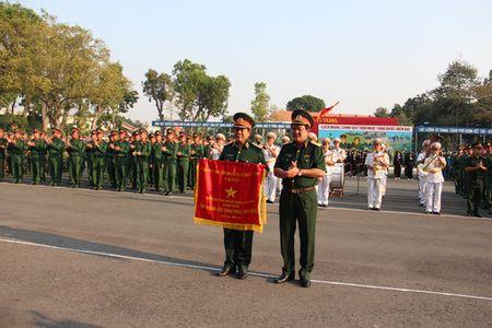 Bi thu Thanh uy Dinh La Thang du le ra quan huan luyen - Anh 3