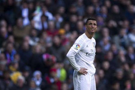 Phong do ngheo nan, Ronaldo bi miet thi la 'linh danh thue' - Anh 1