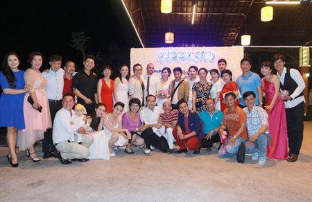Dien vien Co gai xau xi lay chong Tay - Anh 6