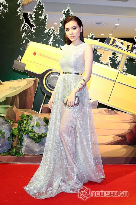 Bo me Angela Phuong Trinh 'thap tung' con gai di su kien sau khi lam lanh - Anh 17