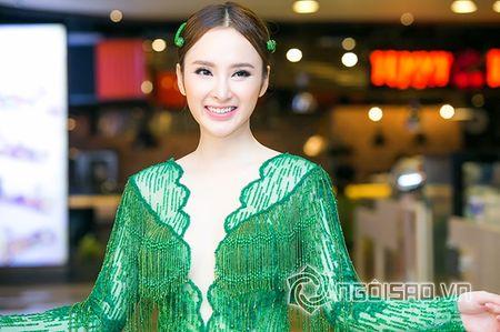 Bo me Angela Phuong Trinh 'thap tung' con gai di su kien sau khi lam lanh - Anh 1