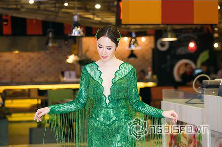 Bo me Angela Phuong Trinh 'thap tung' con gai di su kien sau khi lam lanh - Anh 3