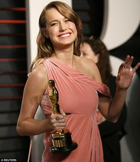 Brie Larson hoan an mung Oscar de sang Viet Nam dong phim - Anh 1