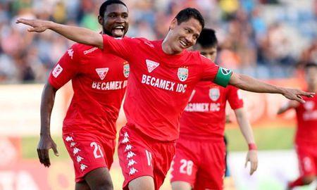 Clip Tan Truong danh dau phan luoi, B.Binh Duong thua nguoc FC Tokyo - Anh 1