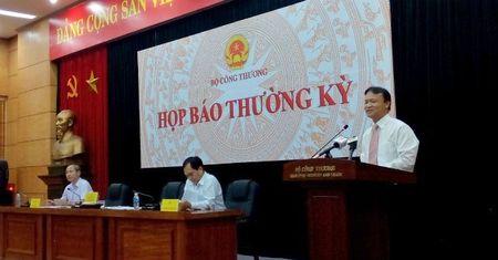 Bat ngo huy hop bao, nhieu cau hoi dat ra voi Bo Cong Thuong - Anh 1