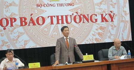 Vi sao Bo Cong thuong dot ngot huy hop bao thuong ky thang 2/2016? - Anh 1