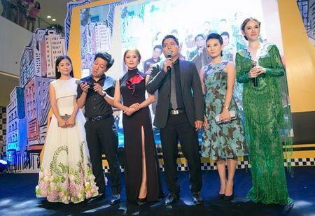 Angela Phuong Trinh rang ro ngay ra mat 'Taxi, Em ten gi?' - Anh 5
