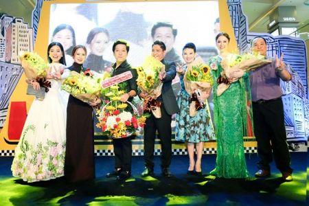 Angela Phuong Trinh rang ro ngay ra mat 'Taxi, Em ten gi?' - Anh 6