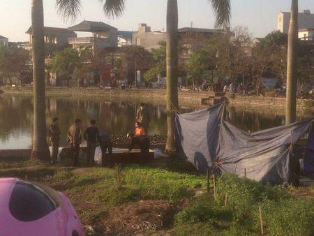 Bac Ninh: San phu sinh con duoc 10 ngay tu vong duoi ao lang - Anh 1