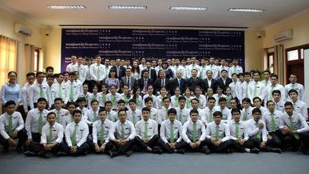 BT Ha Hung Cuong lam viec voi VP Tong Cong to ben canh TATC Campuchia - Anh 4