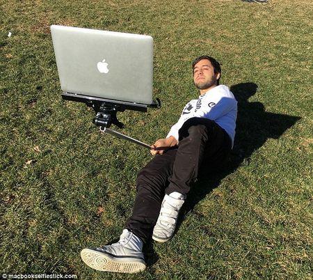 Sung sot voi phong trao chup anh tu suong bang… MacBook - Anh 7