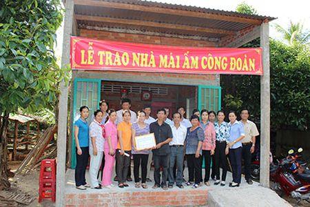 Cac cap cong doan tinh Ben Tre: Nhieu hoat dong huong ve nguoi lao dong - Anh 1
