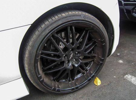 Audi R8 V10 tai Sai Gon do goi than vo den tu Duc - Anh 10