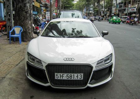 Audi R8 V10 tai Sai Gon do goi than vo den tu Duc - Anh 2