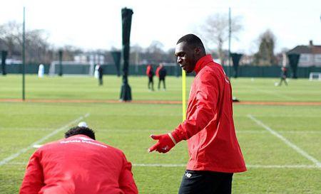 Dai cai to o Liverpool: Ban Benteke, theo duoi Mario Goetze - Anh 1