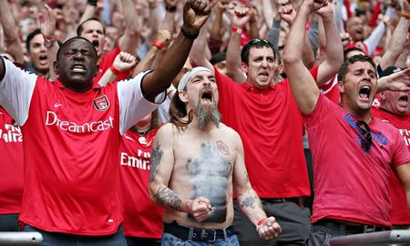 Wenger: 'Moi nguoi da qua nhay cam voi that bai cua Arsenal' - Anh 3