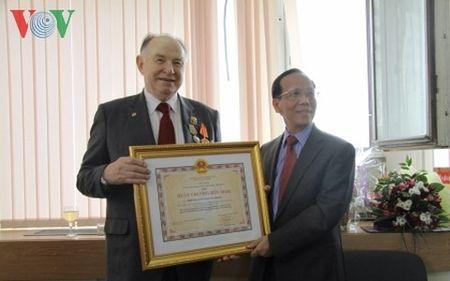 Vien si Mikhail Titarenko - nguoi ban cua nhan dan Viet Nam - tu tran - Anh 2