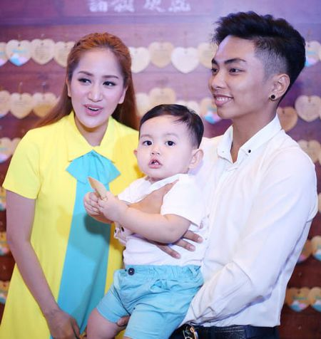 Vo chong Khanh Thi vat va cham con trai hieu dong - Anh 7
